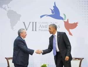 Ръкостискането между Раул Кастро и Барак Обама на Междуамериканската среща в Панама бе поредното стъпало в диалога между Куба и САЩ