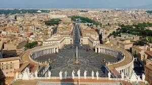 Ватиканът, площадът пред базиликата св. Петър. Снимка: Wikipedia