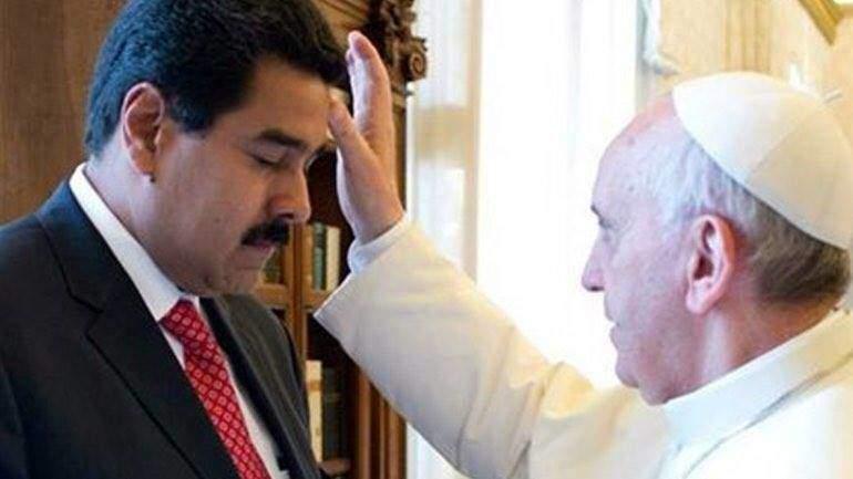 Президентът Николас Мадуро изненада всички като се срещна във Ватикана с папа Франциск и така осигури посредничество на Ватикана за вътрешния диалог във Венесуела.
