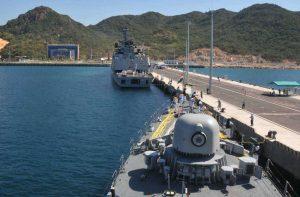 Индийски кораби също се отбиват в Камран