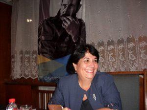 """Ибис Алвиса от Управление """"Европа"""" на Кубинския институт за дружба мажду народите (ICAP)"""