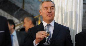 Какво ли не е опитал Мило Джуканович през дългата си политическа кариера