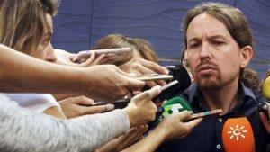 """Лидерът на """"Подемос"""" Пабло Иглесиас усърдно е представян от """"Ел Паис"""" и други големи испански медии като екстремист"""