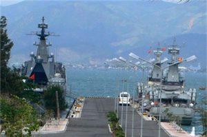 Военни кораби от различни страни акостират днес в Камран срещу комерсиално заплащане