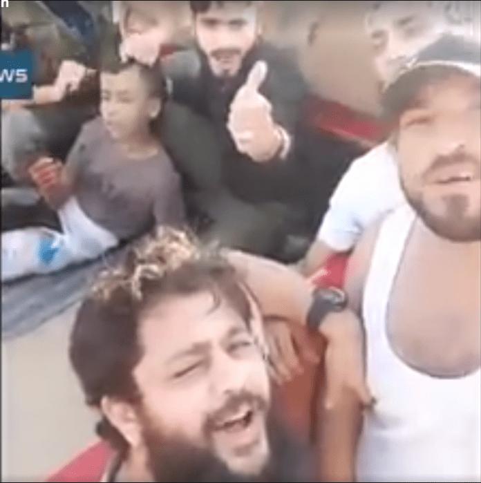 Детеубийците от ислямистката групировка аз-Зенки влизат в ролята на герои в телевизионните репортажи от Алепо