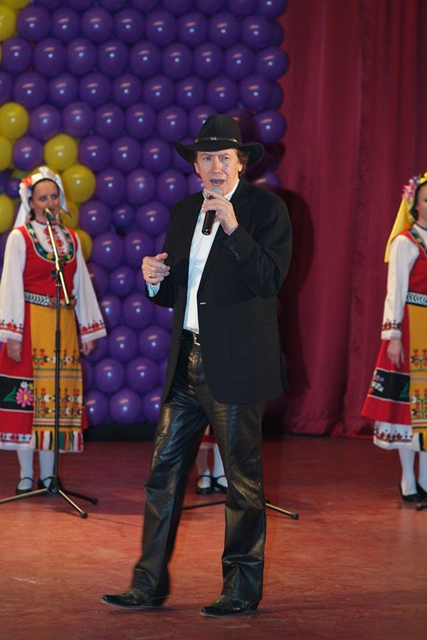 С концертите си Бисер Киров беше посланик на българската култура по света