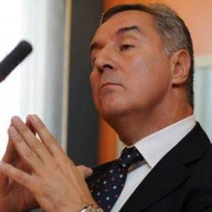 Мило Джуканович умело вплете в политическите си сметки и предизборния шпионски скандал