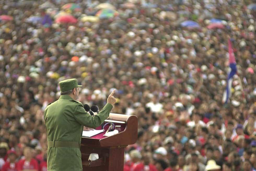 """Реч на Фидел на площад """"Антонио Масео"""" в Сантяго де Куба през 2002 г."""