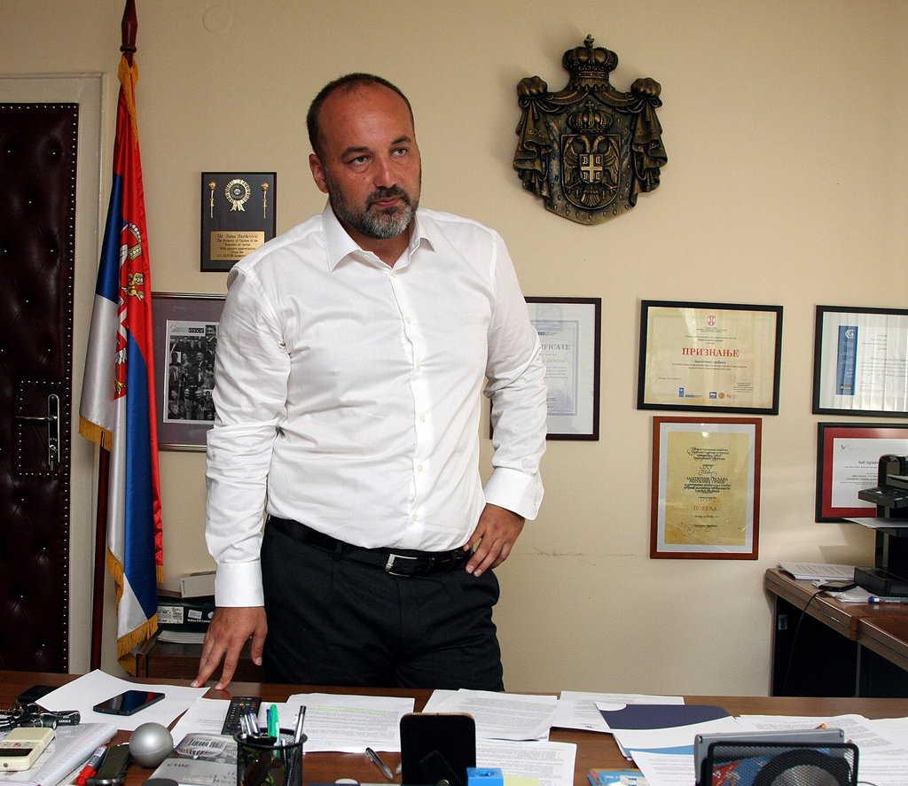 Омбудсманът Саша Янкович е подкрепян за президент от подписка на интелектуалци