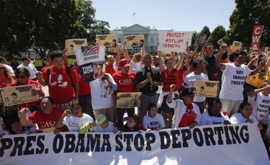 anti-deportation-protesters-chant-in-front-of-the-white-house-in-washington-august-28-2014-reuterskevin-lamarque