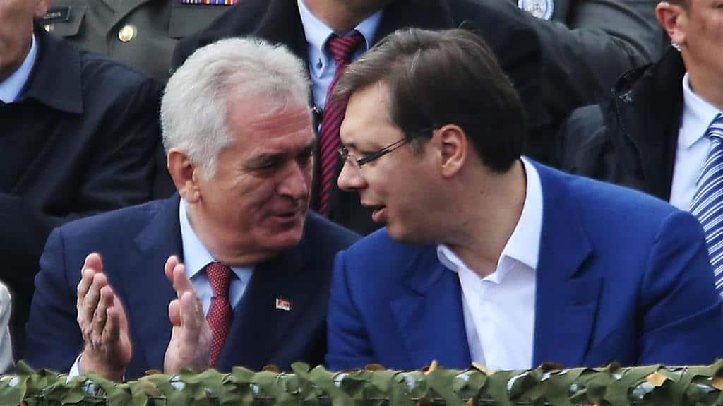 Още не е ясно дали настоящият президент Томислав Николич (вляво) или премиерът Александър Вучич ще е кандидатът на управляващите догодина