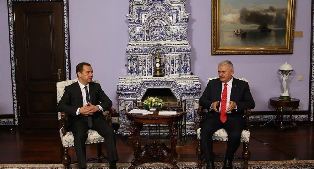 Акцент в разговорите в Москва на турския премиер Бинали Йълдъръм с домакина му Дмитрий Медведев бе стремежът на Анкара към възстановяване на сътрудничеството
