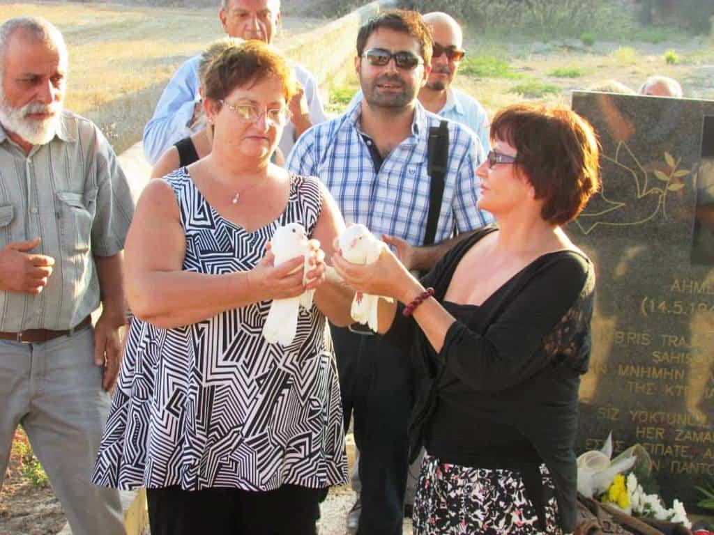 Лейла Киралп и Христина Павлу – две кипърски жени с обща болка за безследно изчезнали и с обща надежда за мир.