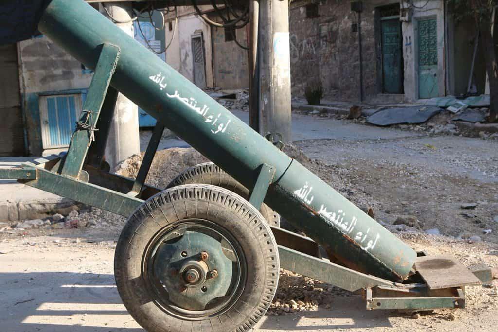 """""""Адските оръдия"""" на бунтовниците са взели не по-малко цивилни жертви от """"варелните бомби"""" на правителството"""
