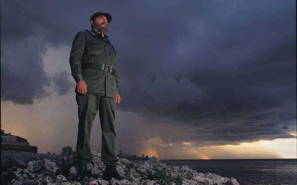 Фидел Кастро на брега на Хаванския залив през 1994 г.
