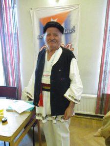 Георге Унгуряну от Румъния привличаше всички погледи с националната си носия