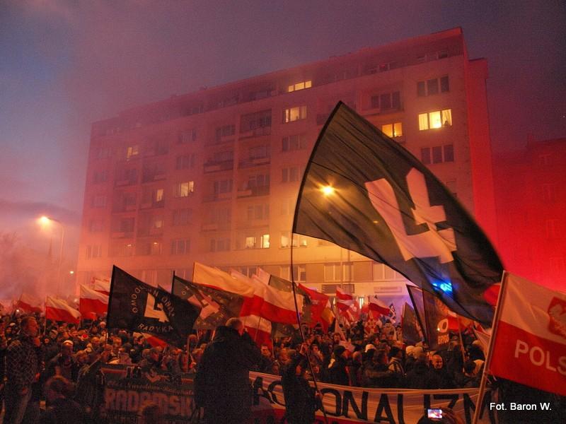 """""""Маршът на независимостта"""" минава през Варшава на 11 ноември 2016 г. Снимка: Wikimedia Commons."""