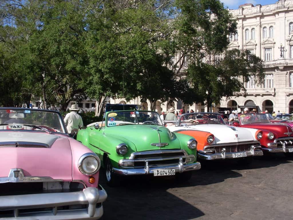 Безсмъртните лимузини от 50-те са винаги на разположение на туристите