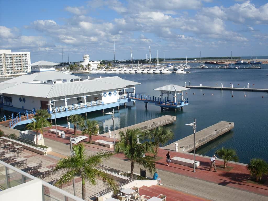 Много от хотелите във Варадеро са с яхтени пристанища