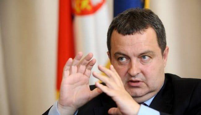 """""""Думам ти, дъще, сещай се, снахо""""–това трябва да е било посланието към София на сръбския външен министър Ивица Дачич, който забърка и нашата страна като уж спъваща сръбското членство в ЕС наравно с Хърватия"""