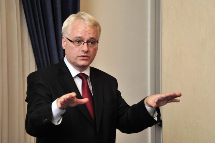 Бившият хърватски президент Иво Йосипович не смята, че целта да се навреди на Белград на всяка цена е конструктивн