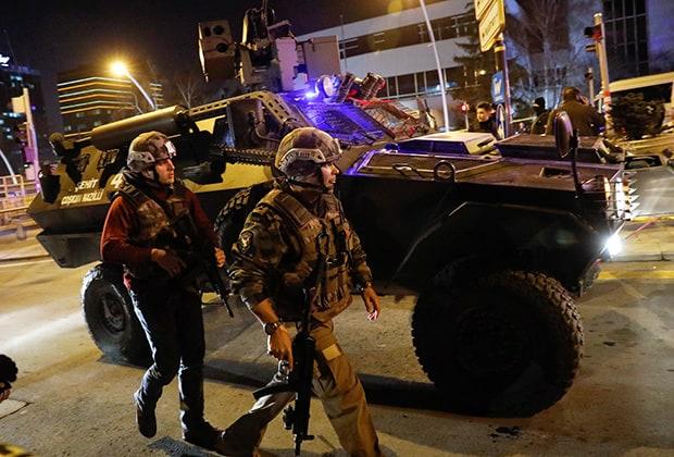 Турските спецчасти се забавиха 25 минути, докато ликвидират убиеца на руския посланик