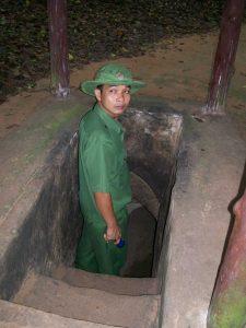 Входовете за туристите, водени от облечени във военни униформи гидове, са разширени и пригодени със стъпъла