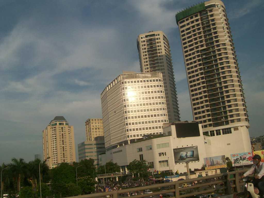 Модерният силует на Ханой е и свидетелство за бързото развитие на цялата страна