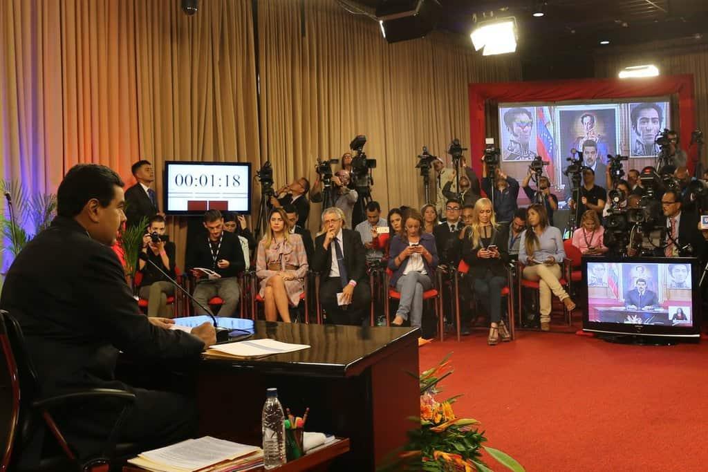 Много чуждестранни медии бяха поканени на пресконференцията на президента Мадуро