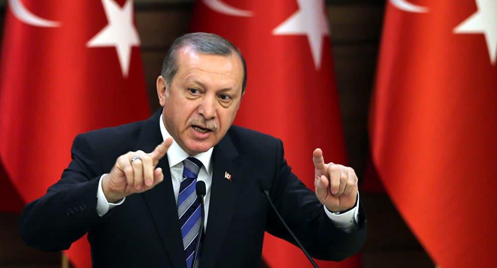 Ердоган е недиалогичен и труден за разбиране с криволичещата си политика, което може да има непредсказуеми последици за него, натякват западни коментатори
