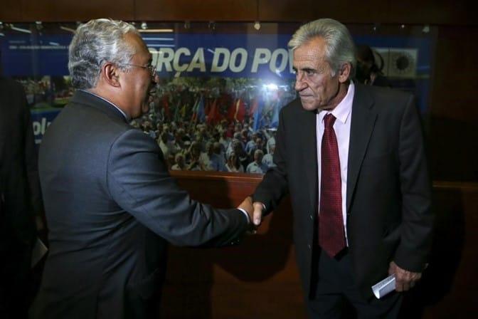 Антонио Коща (в гръб) и Жеронимо де Соуза. Снимка: sabado.pt