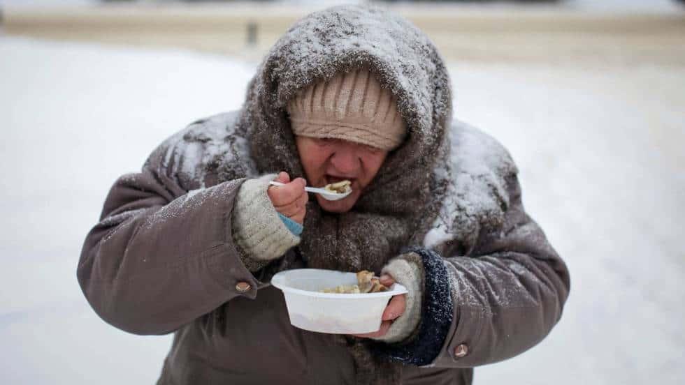 Тежкото социално положение е хранителна среда за болести. Снимка: elpais.com