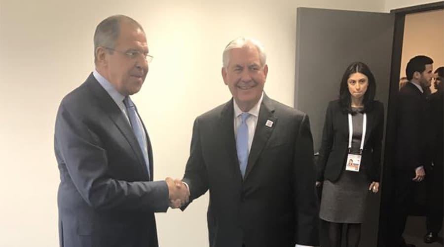 Първата среща на Рекс Тилерсън вече в качеството му на държавен секретар на САЩ с руския външен министър Сергей Лавров. Снимка: RT