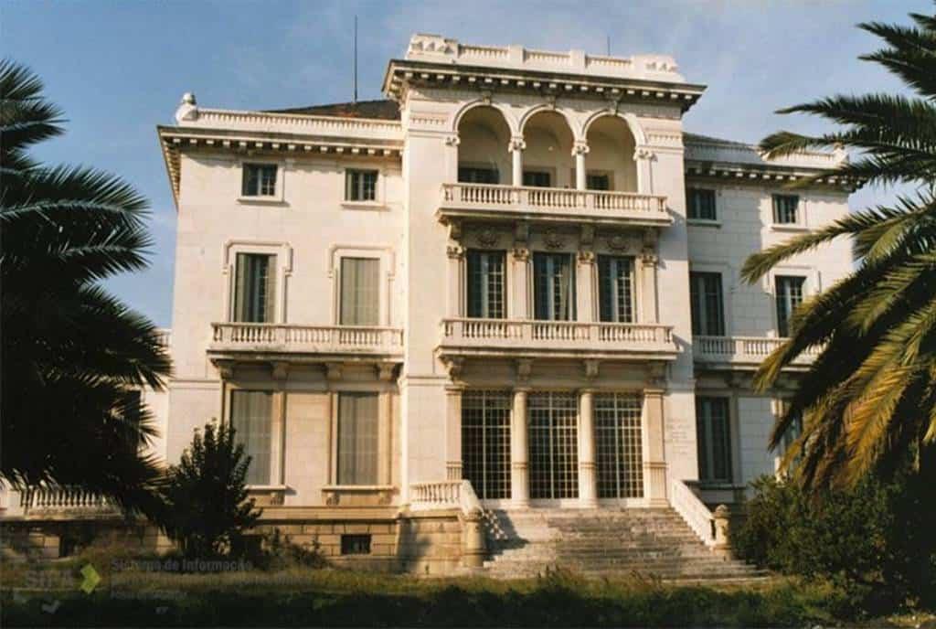 """Този дворец в Лисабон, собственост на фондация """"Ага Хан"""", вероятно скоро ще приюти инфанта Кристина и децата ѝ. Снимка: elpais"""