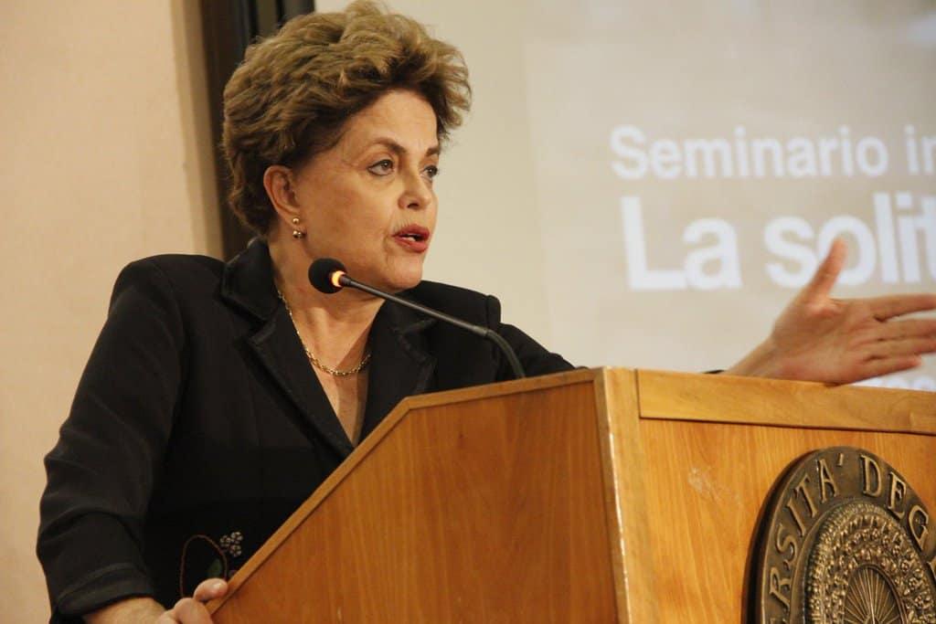 През януари т.г. Дилма Русеф участва в конференции в Испания и Италия, на които отново повтори, че е била отстранена от властта неоснователно, като срещу нея е извършен държавен преврат. Снимка: Туитър