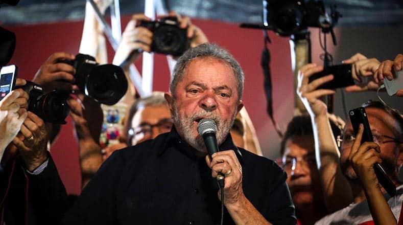 Лула да Силва взе участие в протеста в Сао Пауло. Снимка: telesurtv