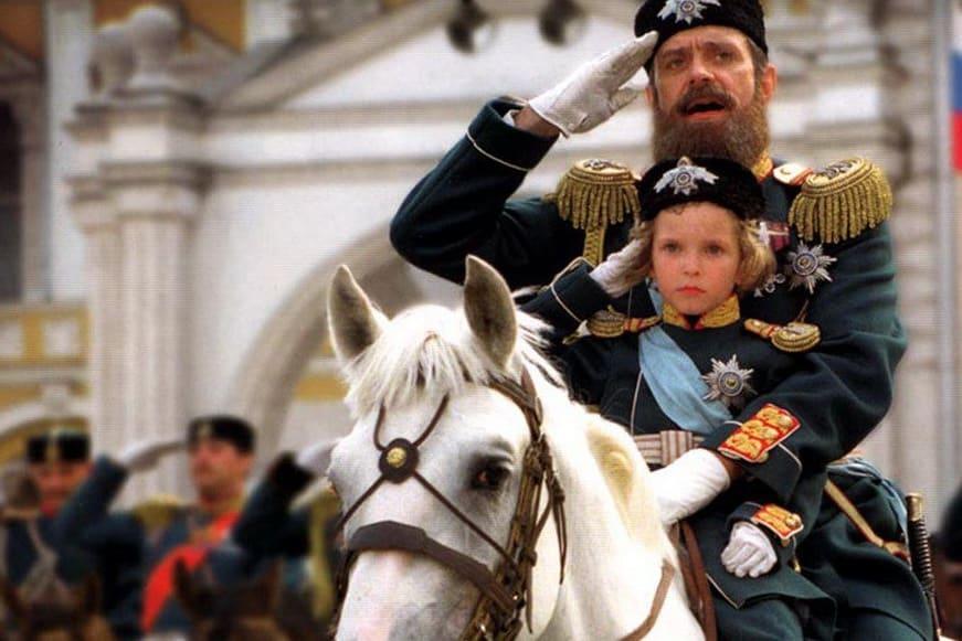 """Никита Михалков се вживя пълнокръвно в образа на цар Александър Трети в своя филм """"Сибирският бръснар"""". Снимка: LiveInternet"""