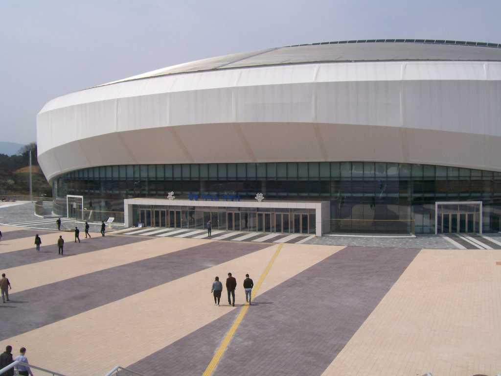 Стадионът за хокей край Канин, в който ще се състезават олимпийците догодина. Снимка: Къдринка Къдринова
