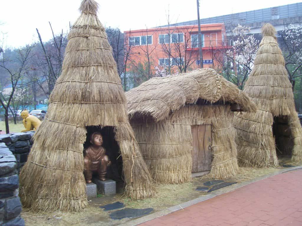 """В парка се проследява и """"историческото развитие"""" на тоалетната в корейското общество. Снимка: Къдринка Къдринова"""