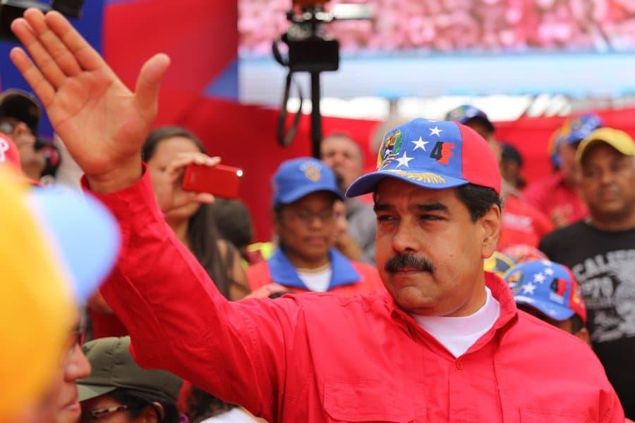 Президентът Николас Мадуро също беше сред излезлите да подкрепат Боливарската революция хора. Снимка: resumenlatinoamericano