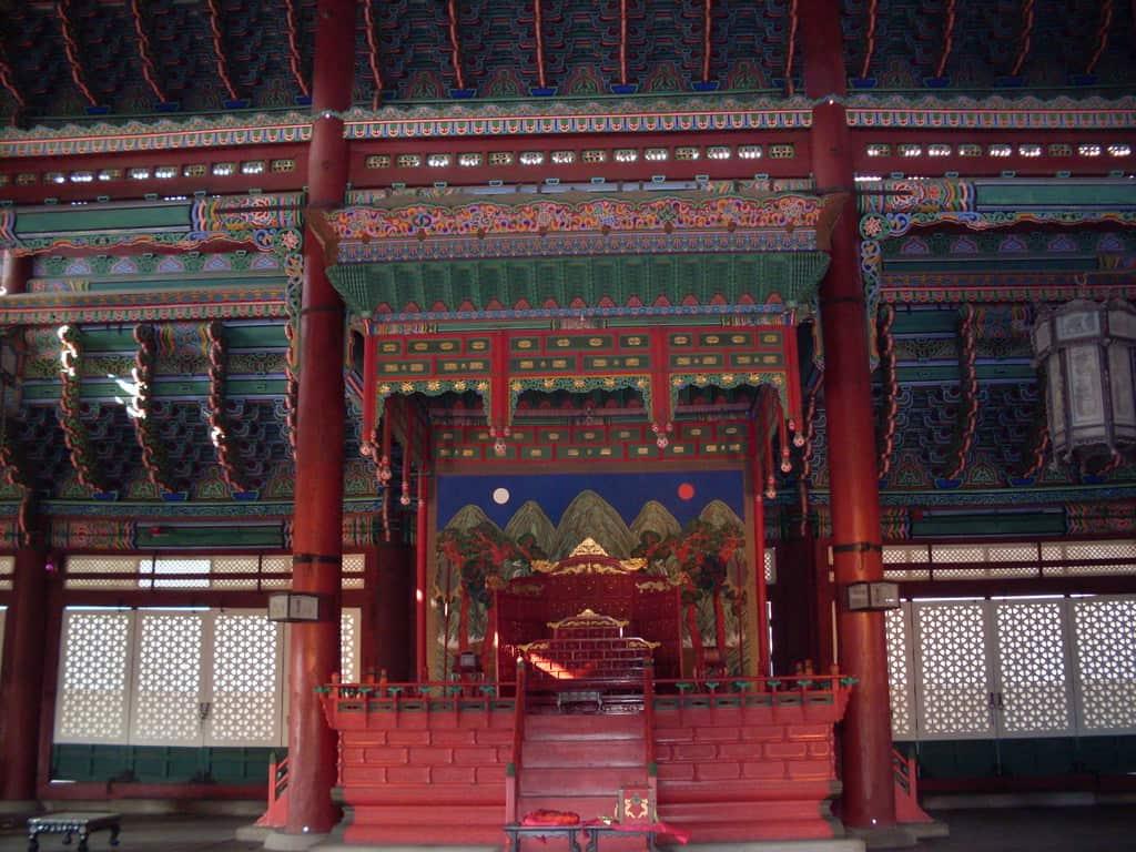 Тронната зала на двореца Кьонбокун. Снимка: Къдринка Къдринова
