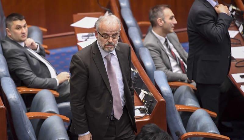 Повтаря се, че искрата, която запалила погрома над парламента, бил изборът на албанеца Талат Джафери за негов председател. И най-вече фактът, че първото си слово бил произнесъл на майчиния си език -албанския. Снимка: pozitiv.mk