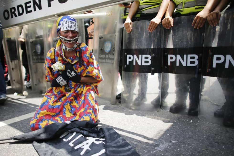 Пърформансът като протест. Източник: Ел Паис