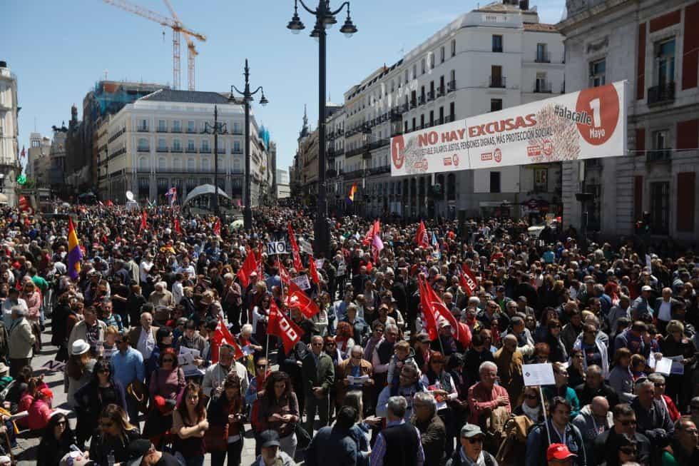"""Първомайският митинг на централния мадридски площад """"Пуерта дел Сол"""". Снимка: ЕФЕ"""