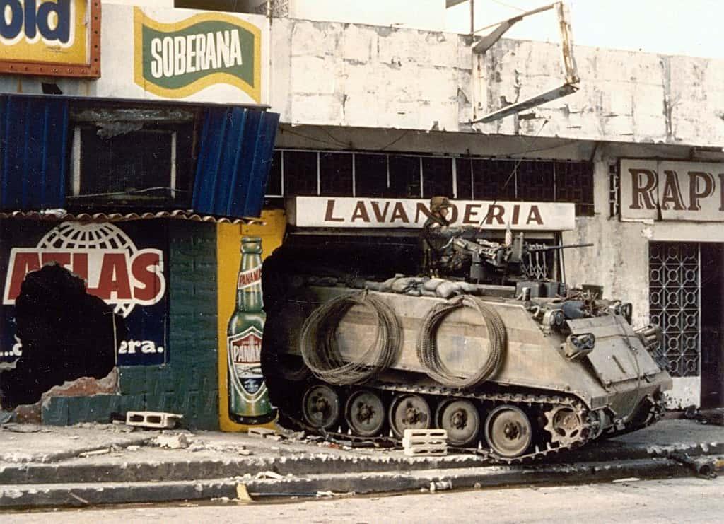 """Такива """"мили спомени"""" пазят панамците от американското нахлуване. Снимка: Уикипедия"""