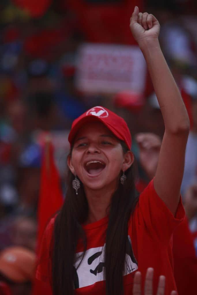Чавистките митинги също имат своите Пасионарии. Снимка: albaciudad
