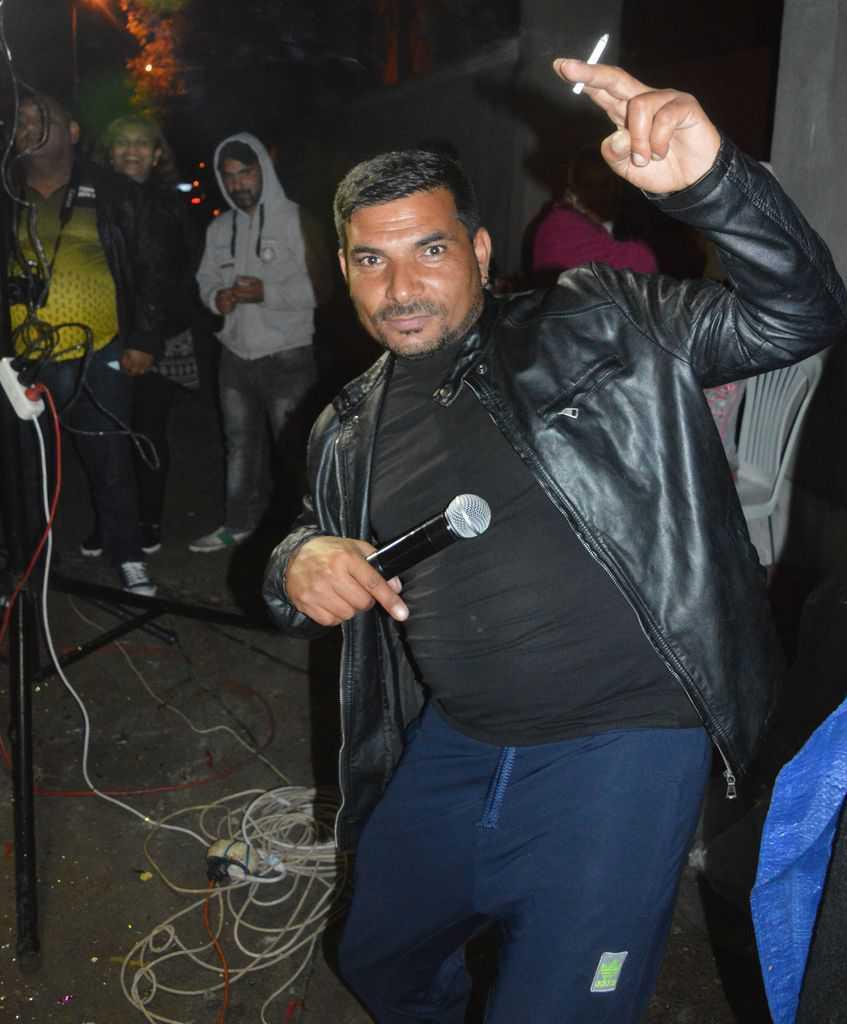 Ди Джей Янко във вихъра на купона. Снимка: Любомир Николов