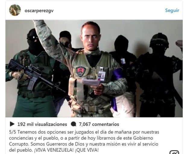 Оскар Перес чете прокламацията си. Снимка: Туитър