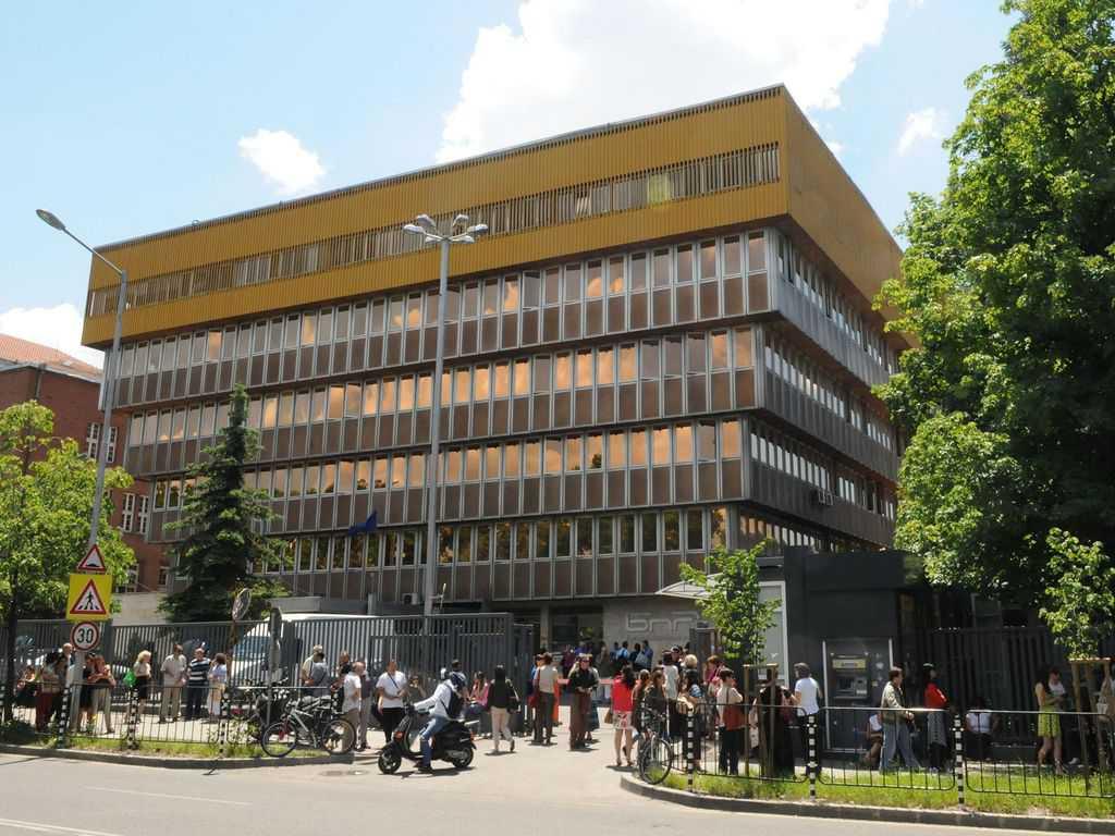 БНР често генерира поводи за протести. Дали така ще бъде и с намерението дасе закрият предаванията за чужбина на 11 езика? Снимка: архив