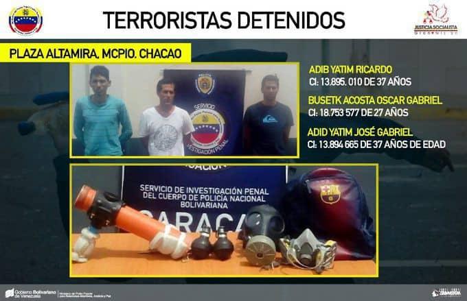 """Тримата арестувани за стрелбата по """"Карлота"""" и арсеналът им. Снимка: albaciudad"""